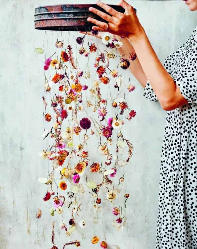 dried flower hanging flower garland by bex partridge from the everlastings book. click through for lots more creative ideas with fresh and dried flowers #autumn #flowers #garlands #frombritainwithlove